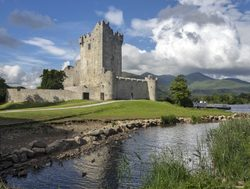 Killarney National Park Ross castle