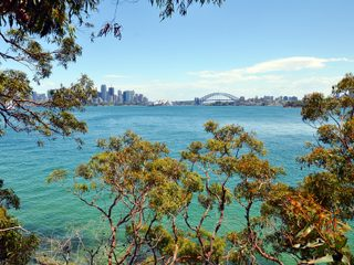 20210211233200-Sydney Harbor National Park with sydney bridge.jpg
